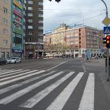 Na Kamennom námestí za vyústením Dunajskej je niečo ako cyklochodník (značka cestička pre cyklistov), okrem značky sa tu však nenachádza ani meter cyklochodníka či pruhu. Takisto cyklisti nemôžu odpočiť vpravo na Dunajskú, ktorá je v tomto úseku jednosmerná.