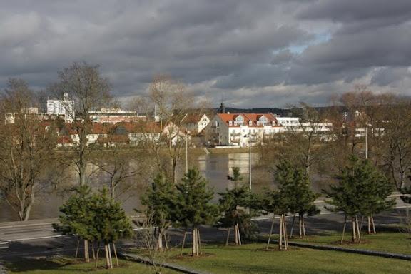 regensburger tagebuch hochwasser in regensburg land unter stadt nur teilweise. Black Bedroom Furniture Sets. Home Design Ideas