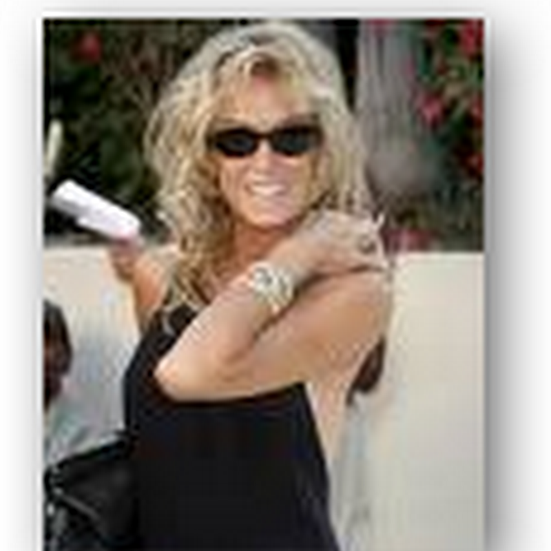Farrah Fawcett Passes Away after long battle with cancer