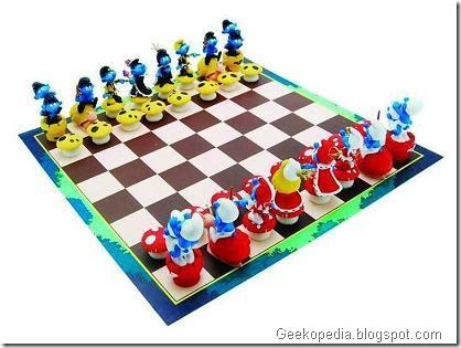smurfs-chess-set