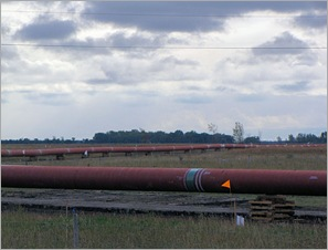 long line of pipe2