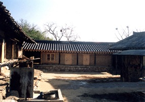 ChilgokGotganchae(Storage quarters)