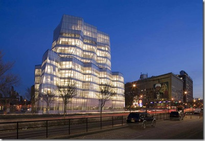 Interactive Corp Headquarters New York. Ultimato di recente, l'edificio si trova a Manhattan nel quartiere di Chelsea
