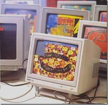 MILLENNIUM BUG interventi pittorici (olio e tecniche miste) su monitor di computer (accesi)