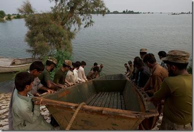 103115633_Pakistan_Flooding_01