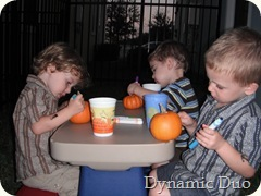 boys do their own pumpkins (2)