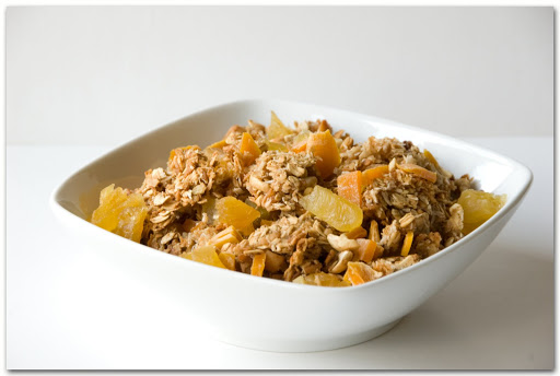 easy granola applesauce muffin