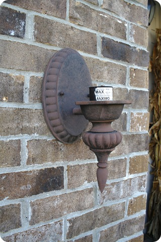 How to spray paint outdoor lights
