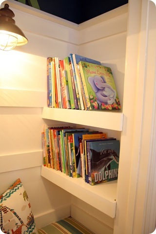 To turn a closet into a cozy book nook from thrifty decor chick how to turn a closet into a cozy book nook from thrifty decor chick solutioingenieria Image collections