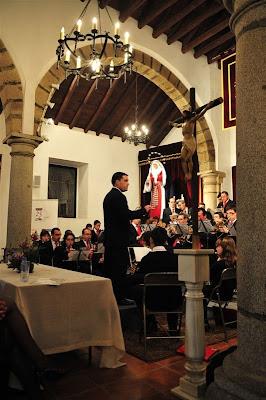 Pinchar sobre esta foto para ver todas las fotos de este concierto (se abre otra ventana). Fotos cortesía de Rafael Sánchez Ruiz: www.fotoslospedroches.com