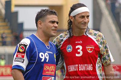 Gonzales dan Pato Persib vs Bontang FC 2009/2010