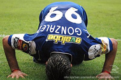 Gonzalez Persija vs Persib 2009/2010