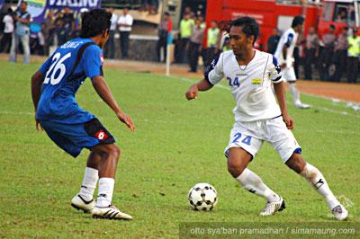 Pelita vs Persib 2010