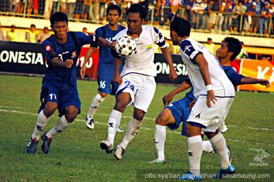 Pelita Jaya vs Persib Bandung 2010