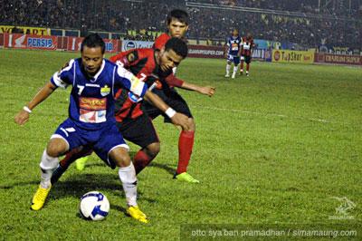 Persib vs Persipura 2009/2010