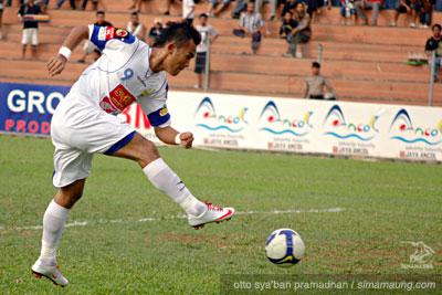 Airlangga Sucipto Persib Bandung 2009/2010