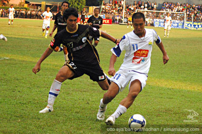Satoshi Otomo Persitara vs Persib 2009/2010