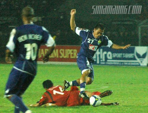 Cucu Hidayat Persib vs Pelita Jaya 2009