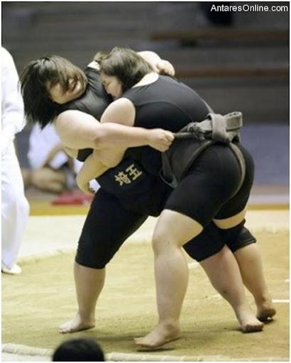 102810_1745_Ladysumowre11 - Sumo Wrestling Sa Mga Baje - Sports and Fitness