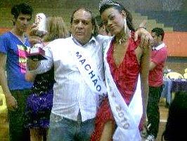 Toniplay MACHÃO do Ano e Nycoly Bytencourt Miss Gay 2010.jpg