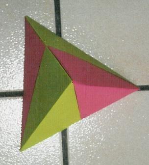 http://lh6.ggpht.com/_wUalqb3iQkI/TLgHHYag8sI/AAAAAAAAAwE/YxE6Z2tPmDk/tetraedre.jpg