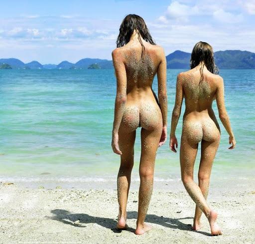 moving big ass nude pics