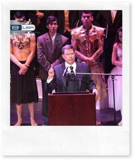 Apóstol de Jesucristo Dr. Samuel Joaquín Flores en el Kodak Teather Hollywood California