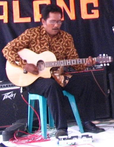 Keroncong EKN - Gitar Melodi - Bambang