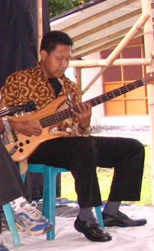 Keroncong EKN - Kontra Bass - Warno