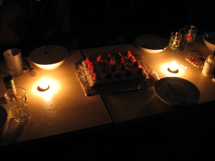 Le gâteau dans le noir.
