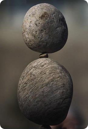 stones_balance_02