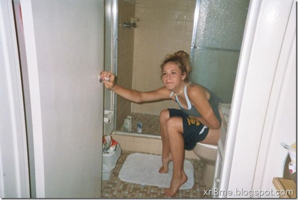 Подглядывание за тетками в туалете