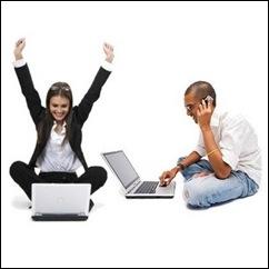 homem-notebook-mulher-laptop