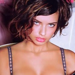 Adriana Lima Haircut Photo