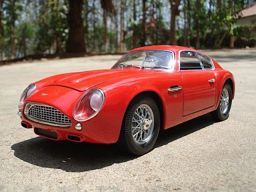 1961+Aston+Martin+DB4+GT+Zagato+-1.JPG