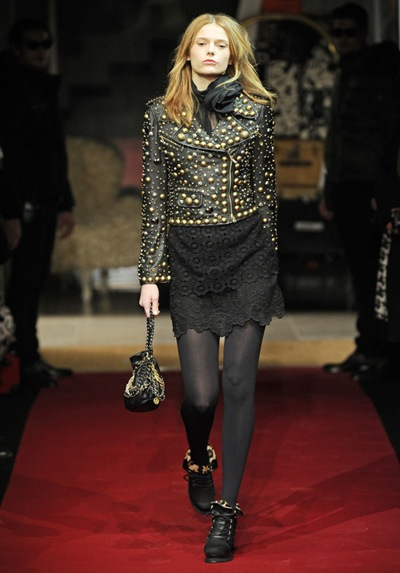 MILAN_Fashion week february 2010__CHEAP and CHIC_by_MOSCHINO _ READY TO WEAR FALL WINTER 2010