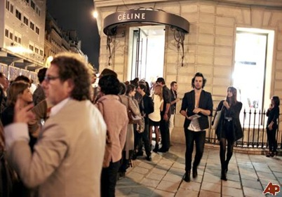 france-fashion-night-out-2010-9-7-18-50-8
