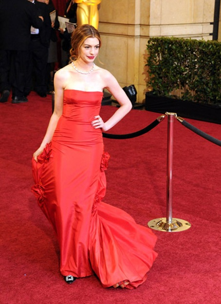 arrives at the 83rd Annual Academy Awards held at the Kodak Theatre on February 27, 2011 in Los Angeles, California.