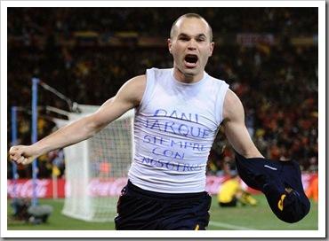 Andries Iniesta menjaringkan gol!