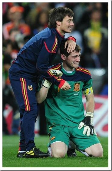 Iker Casillas terharu