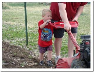 04-23-09 Garden work 07