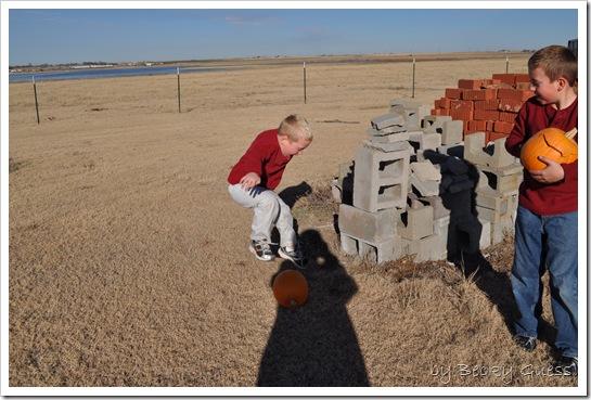 11-25-10 pumpkin chunkin 14