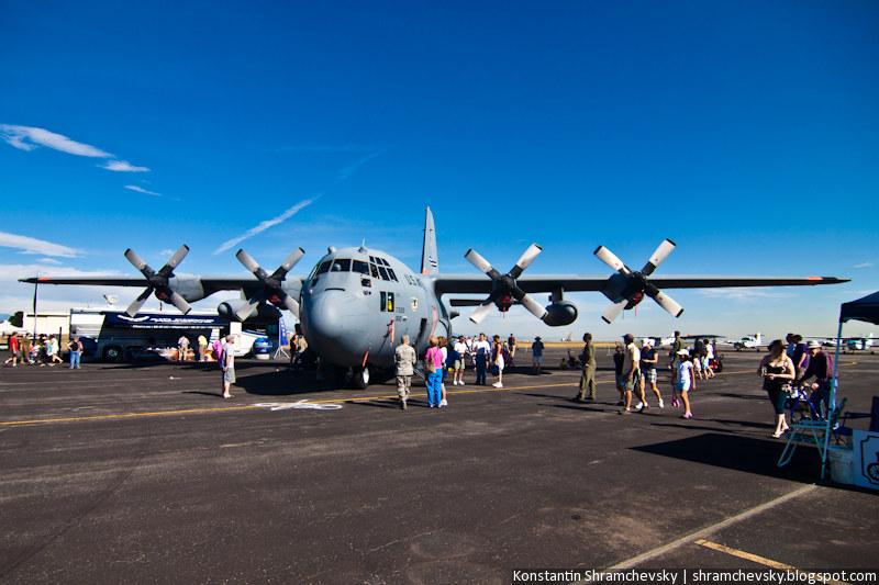 C-130 Hercules US Air Force four-engine turboprop military transport aircraft С-130 Геркулес Си Сто Тридцать ВВС США четырёхмоторный турбопропеллерный военный транспортный самолет