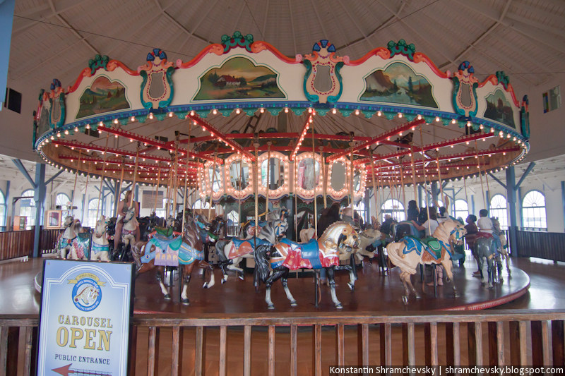 USA California Los Angeles Hollywood Santa Monica Pier Carousel Merry-go-Round США Калифорния Лос Анджелес Голливуд Санта Моника Пирс Карусель