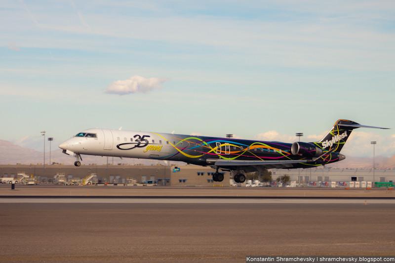 USA Nevada Las Vegas McCarran International Airport Skywest 35 years Bombardier CRJ-900 США Невада Лас Вегас Международный Аэропорт МакКарран СкайВест Бомбардье Си Ар Джей 900