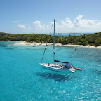 Aussicht aus dem Masttop: Insel Petit Bateau in den Tobago Cays