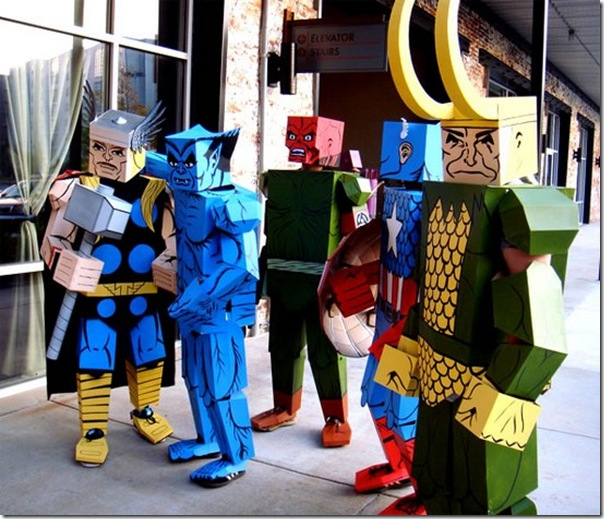 Trajes de Super-Heróis de papelão