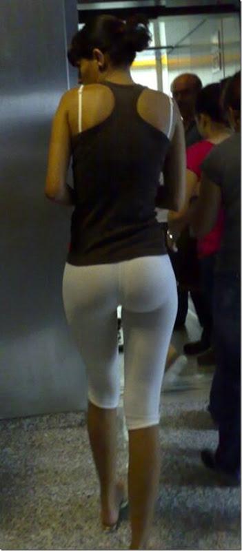 Garotas com calças apertadas (15)