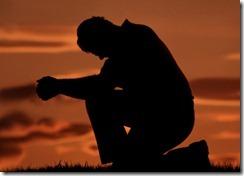 praying-on-one-knee