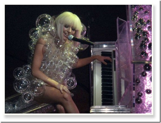 lady_gaga_costume22